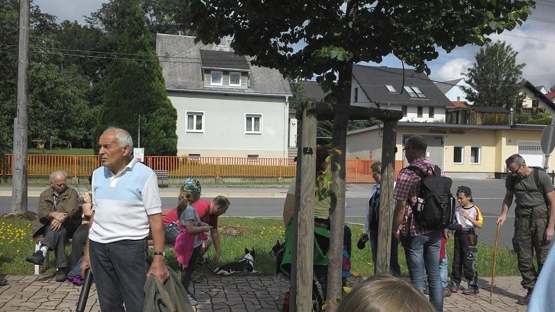 gemeinsamer Startpunkt am Buswendeplatz